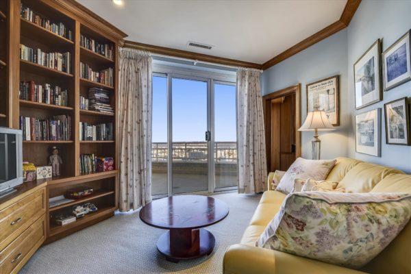 Baltimore Harborview Penthouse